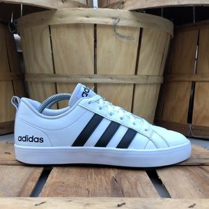 Adidas Neo Pace Sneakers